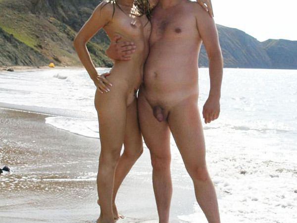 Nudistai paplūdimiuose