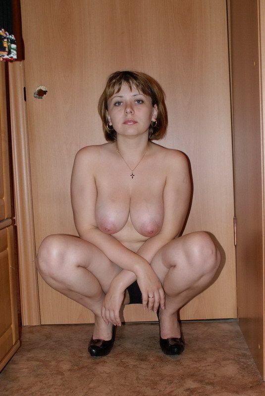moteris-namuose-10
