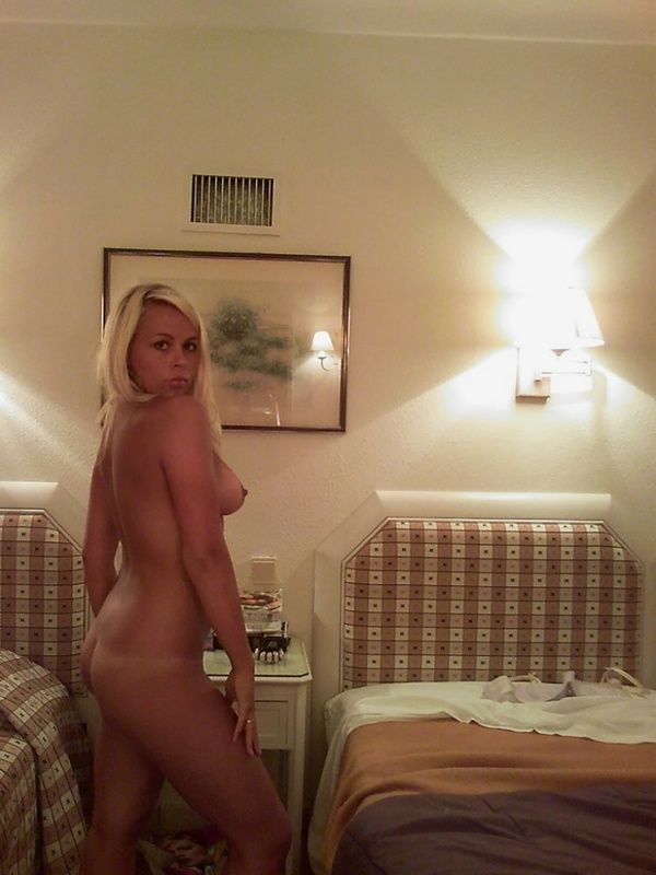 blondines-masturbacija-07