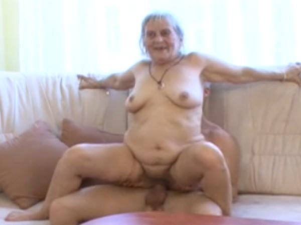 Ilgas porno su bobutėmis