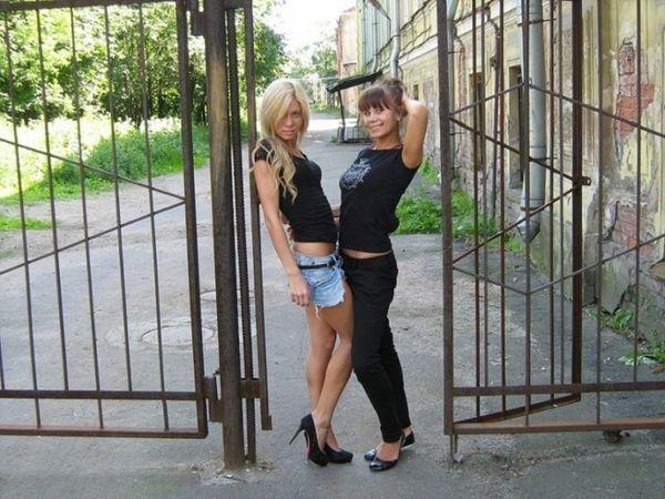 blondines-pizda-praeiviams-15