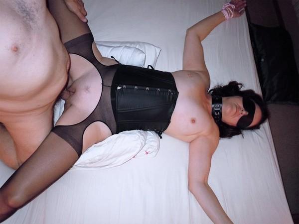 seksas-su-miegancia-zmona-02