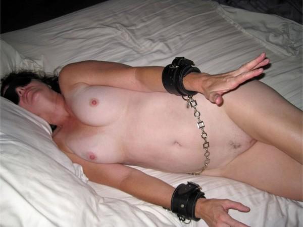 seksas-su-miegancia-zmona-25