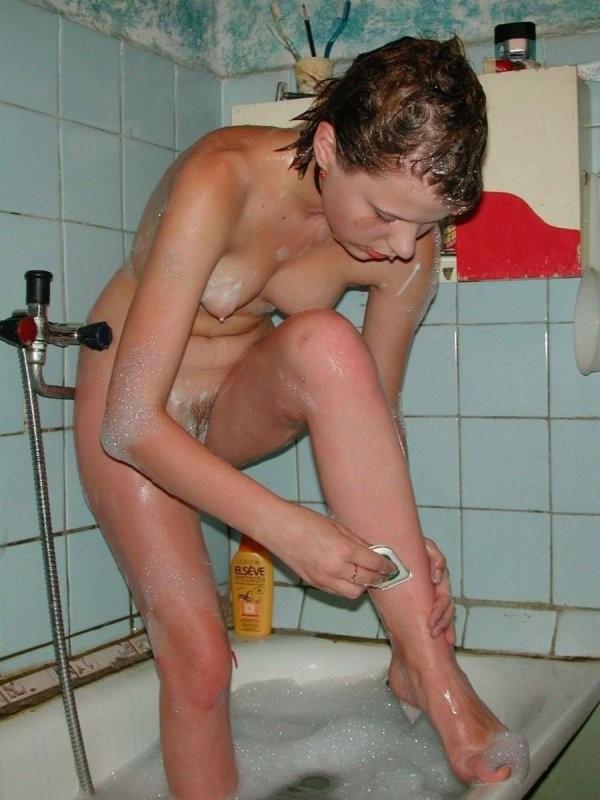 rusaite-nuoga-vonioje-06