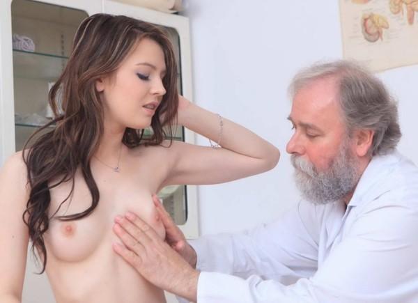 seksas-su-ginekologu-09
