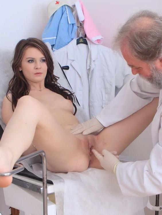 seksas-su-ginekologu-13