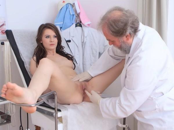 Seksas su ginekologu per apžiūrą
