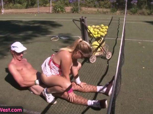 Seksas su mamyte tenisininke